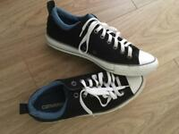 Converse black & blue lining size UK9