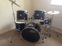 Drum World Black Drum Kit