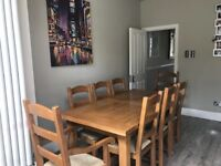 Beautiful oak extendable table and chairs