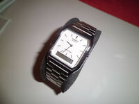 Casio mens square face wristwatch (new).