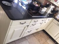 HOUSE CLEARANCE KITCHEN SUITE AND APPLIANCES - ENDS 29 MAY
