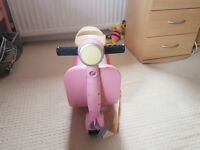 Kids scoot suitcase ride on