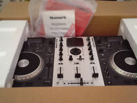 NUMARK MIXDECK Excellent Condition Hardly used