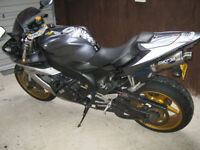 YAMAHA R1 04 TO 08 GOLD WHEELS EXCELLENT CONDITION