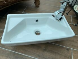 Cloakroom Sink & Tap £40