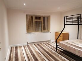 A large room to rent in Aylesbury