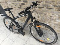 Mountain bike £740 in a shop, bought in 2016, hydraulic fluid disc brakes, 24 speed no scratchees