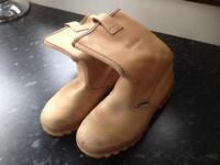 Jallatte work boots. Size 7.