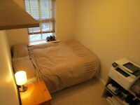 Double Room Warwick Lovely House Close to JLR, NG, Volvo, Train Station + Good Motorway Links