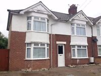 A double bedroom to let in a large share house in Cowley, Oxford.