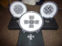CELTIC PATTERN PLATES.BRAND NEW AND BOXED.