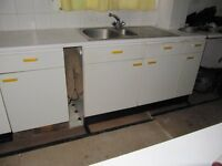 Kitchen wall and floor units