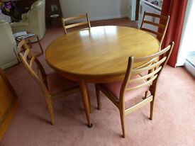 G PLAN dining expanding table and 4 chairs