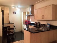 2 Bedroom Flat / 2 Bathrooms in Lancaster Gate Station, W2 3PH