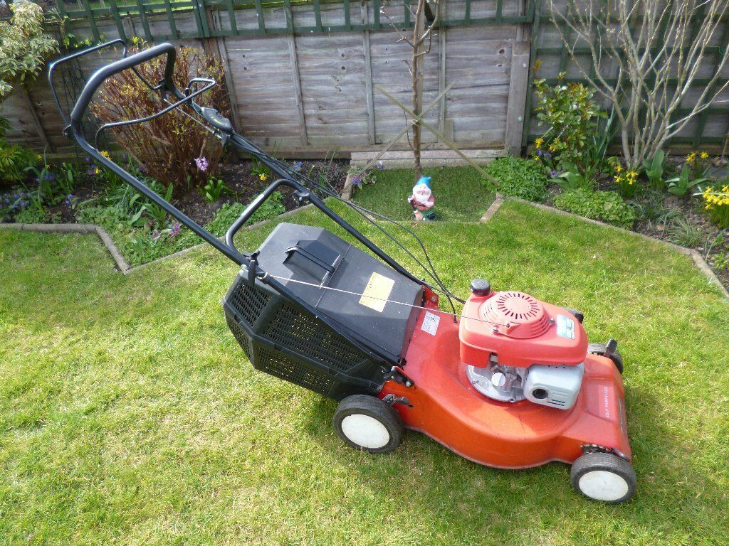 Sovereign Self Propelled lawn mower with Honda GCV160 5.5 Engine and Instruction  manual