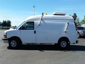 2010 Chevrolet Express 3500 CARGO VAN-MOBILE OFFICE-SPLICING VAN Belleville Belleville Area image 2