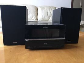 Fully functioning SONY stereo system