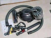 Dyson DC54 Cylinder Vacuum 54 Cinetic cleaner 11 months Guarantee