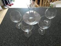 Carafe & 4 wine glasses
