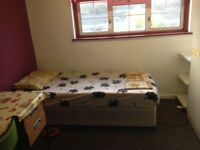 double room available in sharing - £75 per week - read the add before text please
