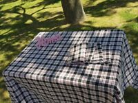 Table cloth with 4 table towels