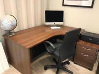 MAESTRO 25 PANEL LEG DESK AND DRAWERS WALNUT AND BLACK CHAIR