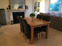 Gorgeous light solid oak table with 4 chairs (Worth £799)