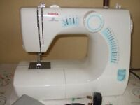 Toyota SE14 RS 2000 sewing machine.