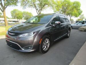 2017 Chrysler Pacifica Limited*WOW!