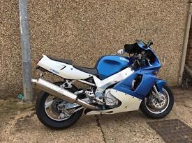 Yamaha YZF 750 RARE bike in great condition! Suzuki honda kawasaki r1 r6 gsxr