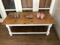 Chunky Pine Coffee Table Free Delivery Ldn Vintage rustic shabby chic
