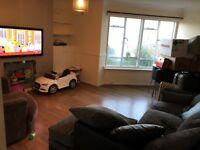 2 bedroom flat in High St, Cheshunt, Herts, EN8 (2 bed)