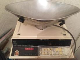 Commercial shop Weighing scales fully working