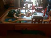 Early learning train track and table