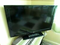 LG 32inch TV with Freeview