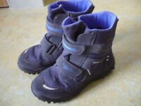 Boys gore tex snow boots size 1.5