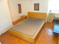 A LOVELY TWO BED FLAT WITH OFF STREET PARKING - MINUTES WALK FROM EAST CROYDON STATION!