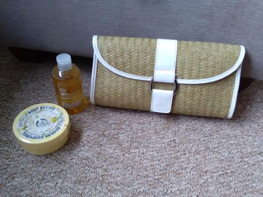 ## BODY SHOP SET + BAG ##