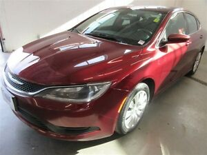 2015 Chrysler 200 LX! AC! AUTO! TRADE-IN! SAVE!