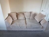 Very comfy and clean sofa in great condition needs a new Home.