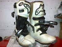 motocross boots alpinestar tec6 and arai helmet