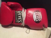 Reyes boxing gloves