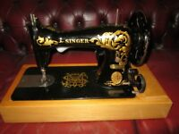 RARE SINGER SEWING MACHINE MODEL 15K28 ~ WITH CASE ~ LOFT FIND £50