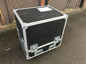 Flightcase for 2 D&B Q1/Q7/Q10 speakers