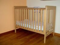 Mamas & Papas Baby Metro Cot & Bedding & Fisher Price Sea Life Musical Cot Mobile all for £50.00
