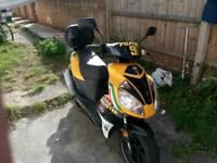 Moto B moped