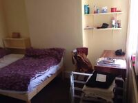 2 rooms available in a 5 bedroom house!