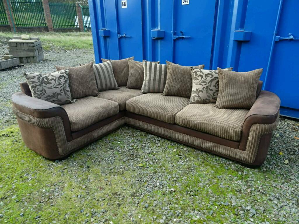 Large Brown Corner Sofa *Excellent Clean Condition*.