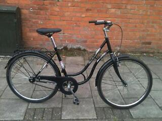 Ladies single speed town bike excellent condition save 50% 0ff RRP!