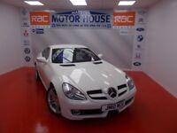 Mercedes SLK SLK200 KOMPRESSOR(STUNNING) FREE MOT'S AS LONG AS YOU OWN THE CAR!!! (white) 2010